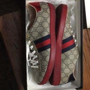 Women's Gucci Ace GG Supreme sneaker- size 40